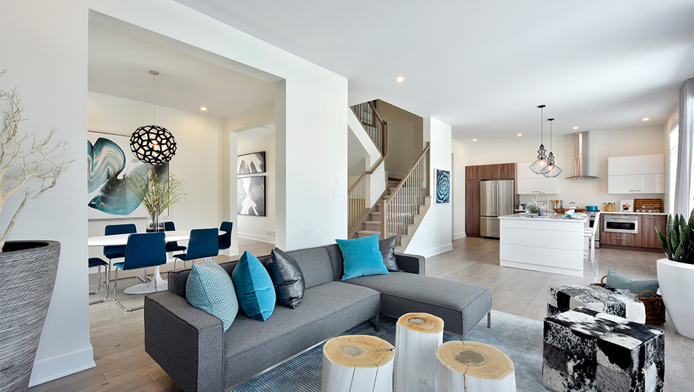 Spacious living area of a single family home in Ottawa. How to choose the Mahogany home that is right for you, Minto Communities.