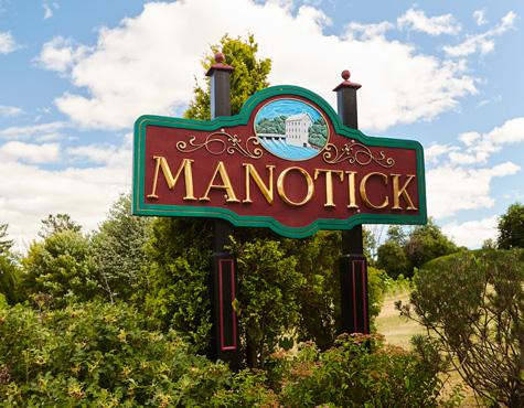 Manotick city sign. Spend a day exploring Manotick.