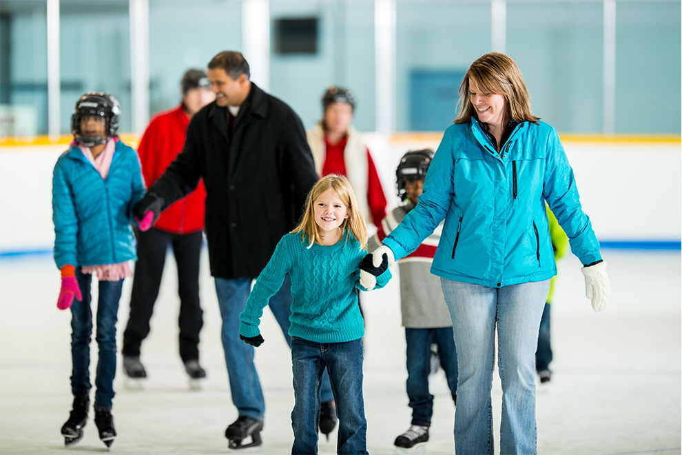 People public skating at Manotick arena. Things to do around Manotick in the winter.