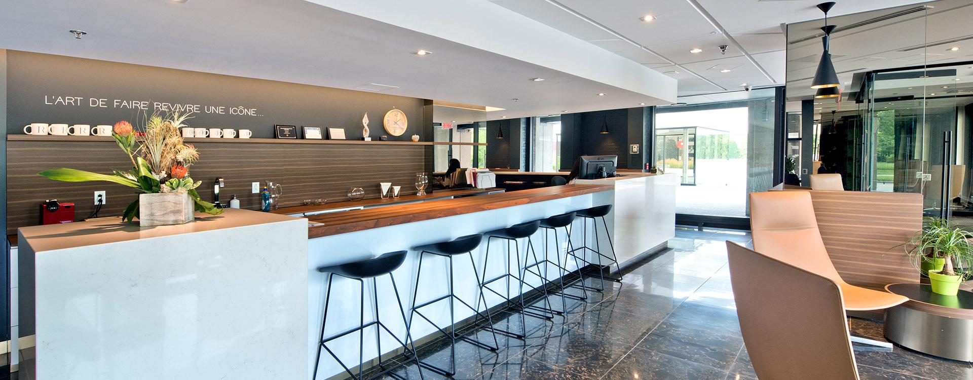 rockhill-apartments-4858-chemin-de-la-cote-des-neiges-montreal-lobby