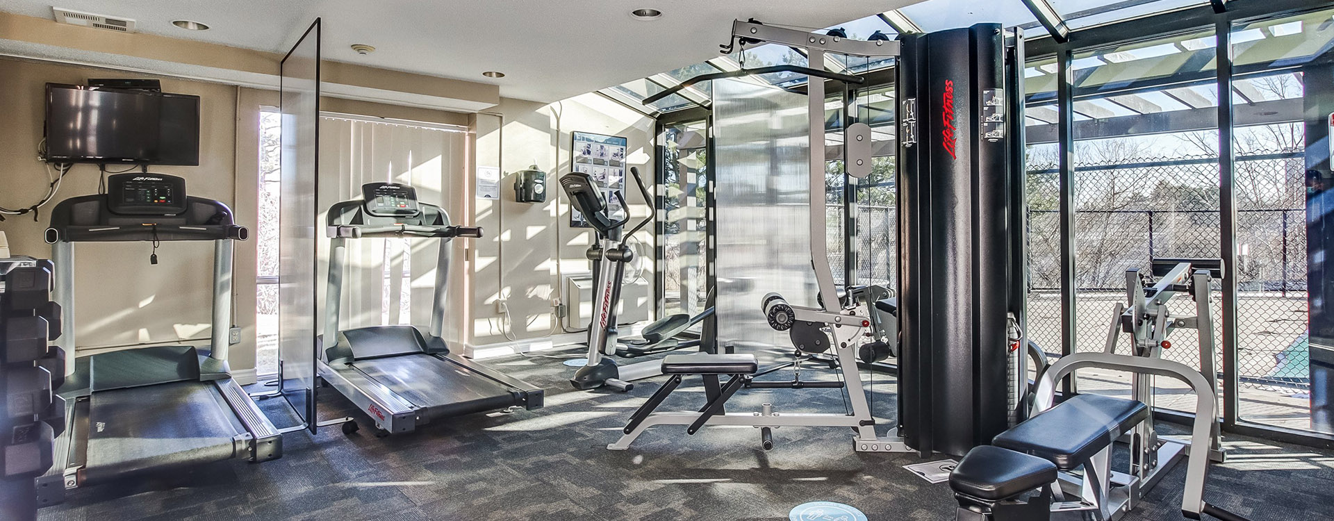 Fitness room at Aquitaine Apartments in Toronto. Rent with Minto Apartments.