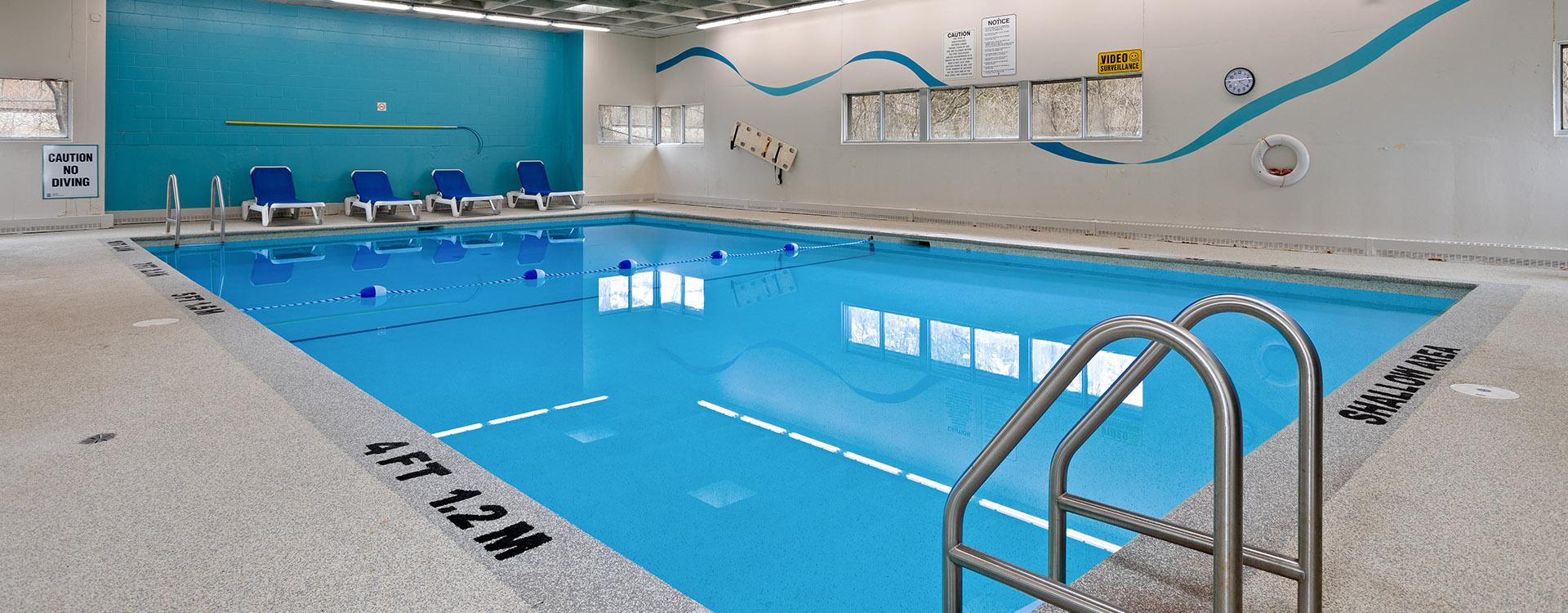 castleview-1755-frobisher-lane-ottawa-pool