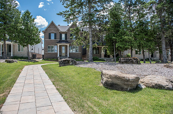 View of Mahogany homes in Manotick. Why Mahogany homes by Minto Communities gives you more.