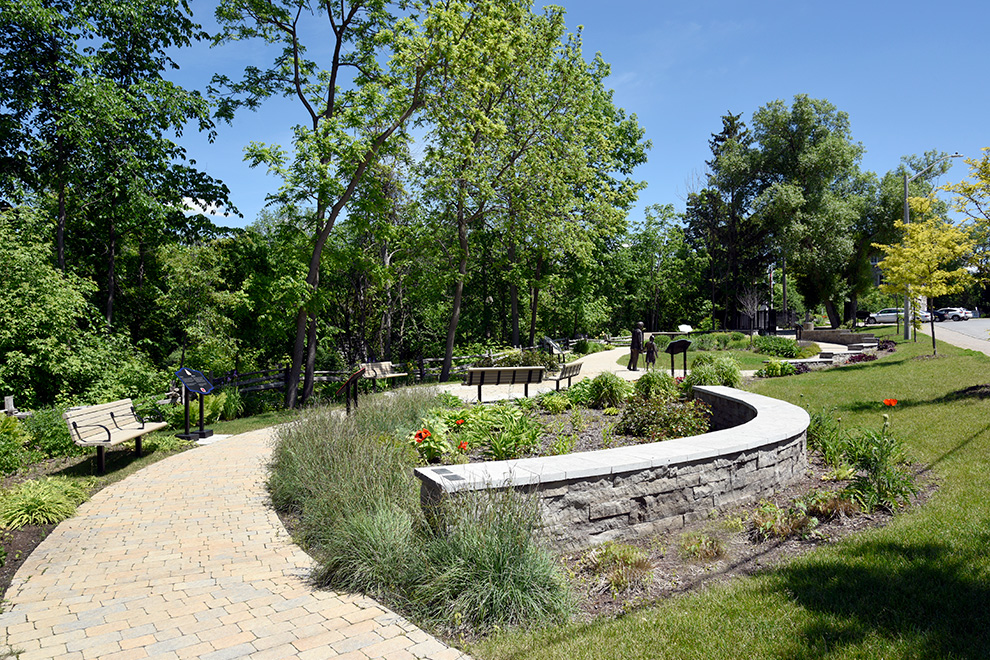 Walking pathways – Green Space - in Mahogany a community in Manotick, by Minto Communities