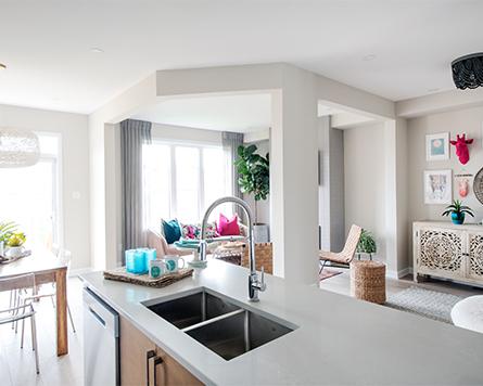 Kinghurst Living Area Single Family Home Brookline Kanata