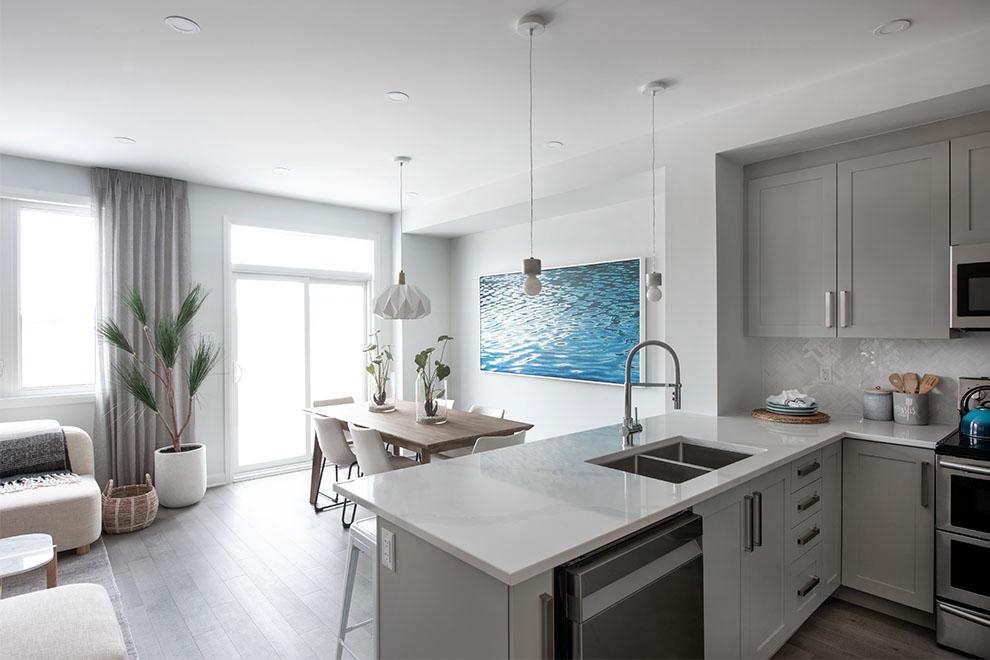 Kanata North – Laguna: Kitchen – Executive Townhome