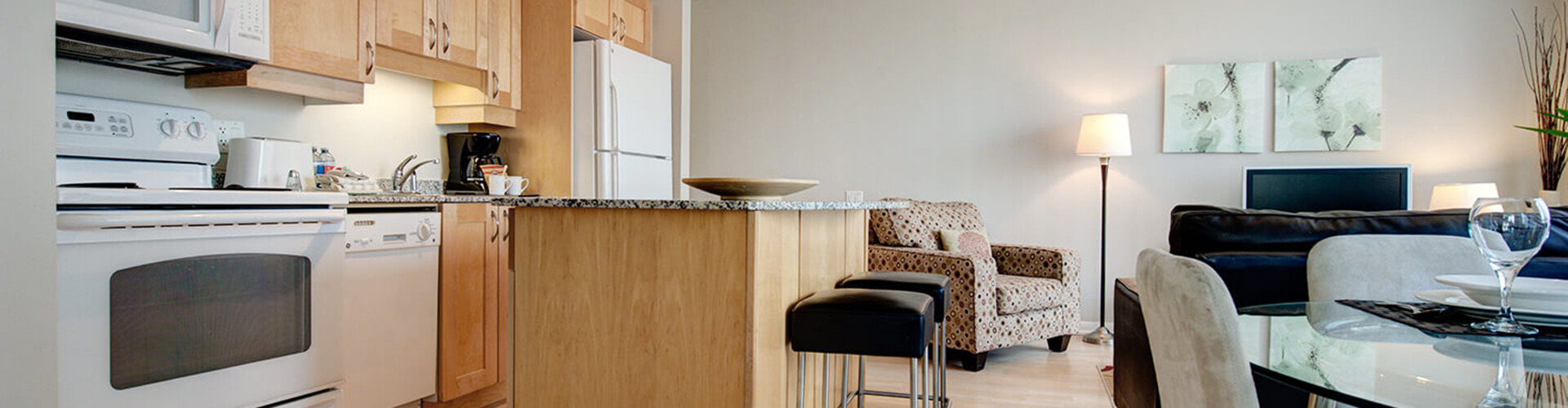 Open concept kitchen at Roehampton Furnished Suite in Toronto. Rent with Minto Apartments.
