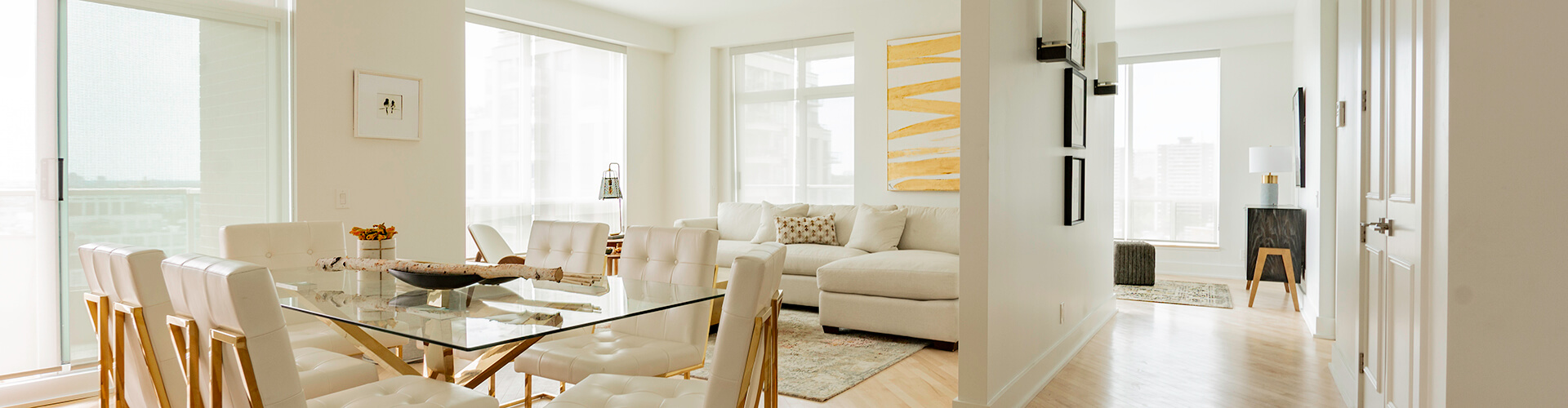Luxurious living room at Yorkville Apartments in Toronto. Rent with Minto Apartments.