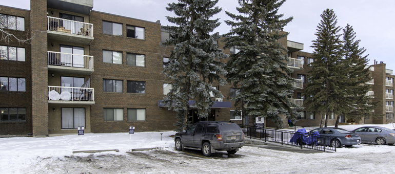 SW Calgary Rentals - Woodlands Manor Apartments For Rent