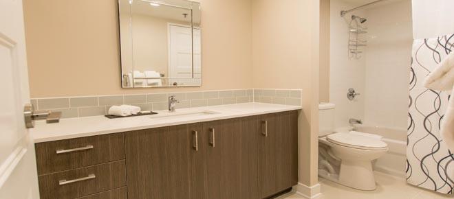 One80five Ottawa furnished rental bathroom