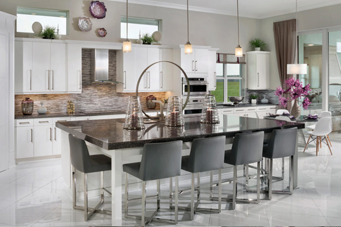 Large kitchen with center island perfect for entertaining (Copperlily shown)