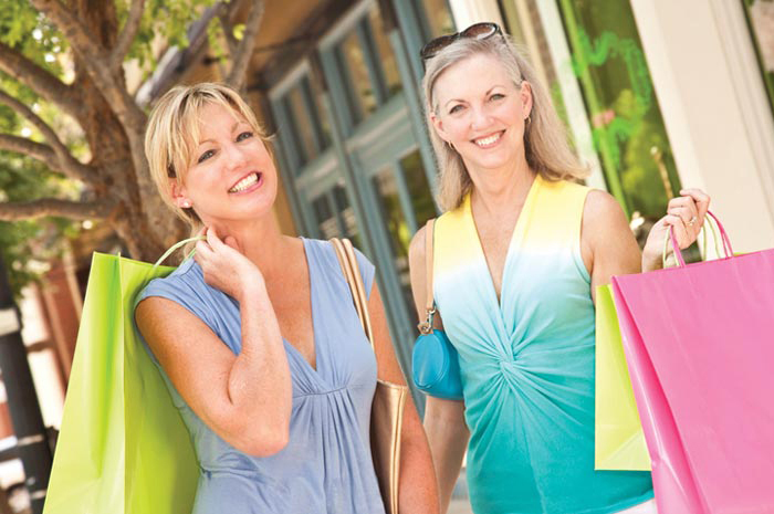 Your home is mere minutes away from first-rate shopping and dining in downtown Naples