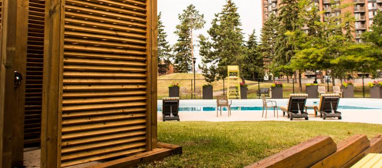 Navaho Apartments pool
