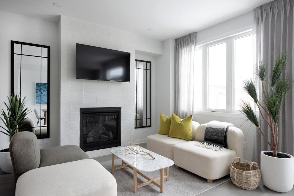 Executive Townhome - Laguna - Living Room