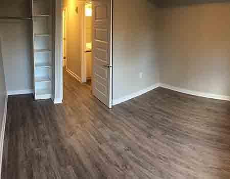 Walk-up Apartments for Rent Beside Algonquin College and Near Nepean