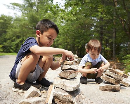 Kids playing outside in Arcadia Kanata
